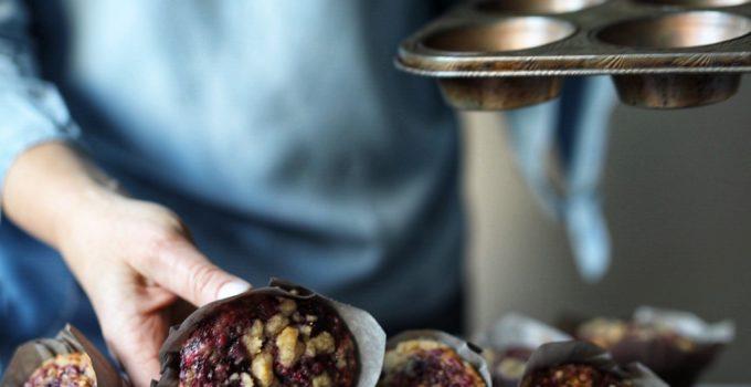 Blackberry Cinnamon Swirl Oatmeal Muffins